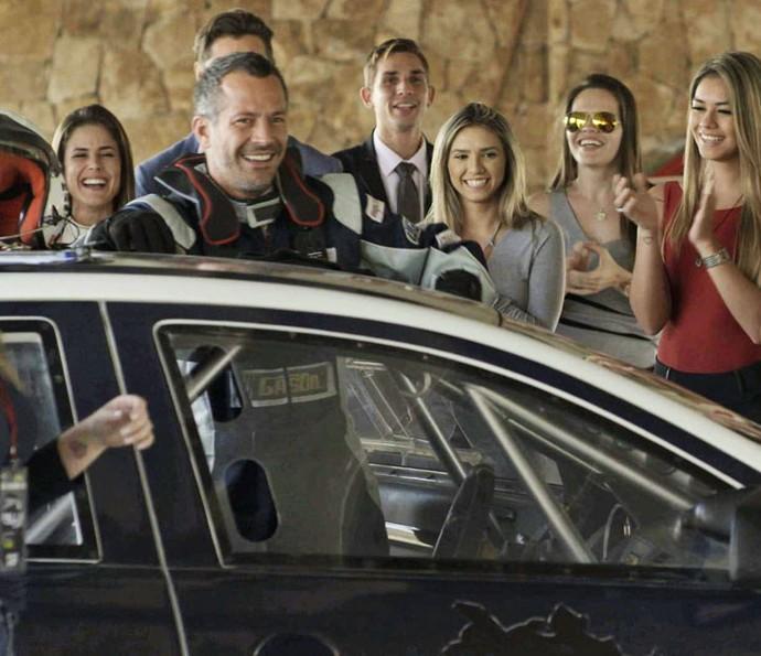 Apolo fica em primeira lugar na corrida! (Foto: TV Globo)