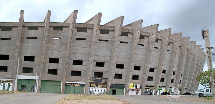 Atletas reclamam do Estádio Albertão (Foto: TV Clube)