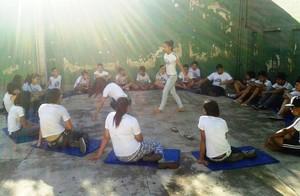 Alunas praticam luta de capoeira em escola de Divinópolis (Foto: Movimento Ligeiro/Divulgação)
