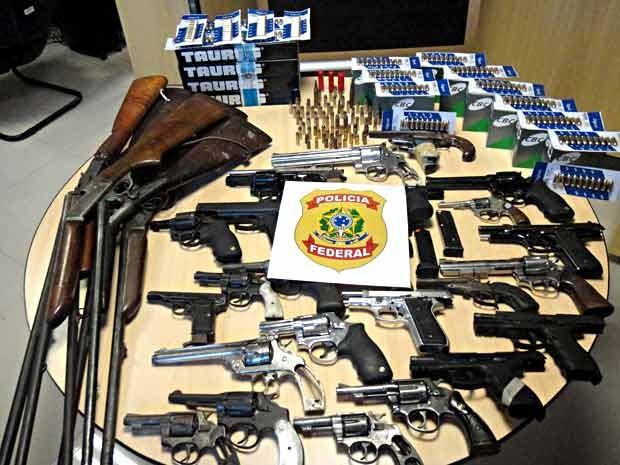 G1 pf prende dois e apreende 40 armas em oficina de for Oficina armas