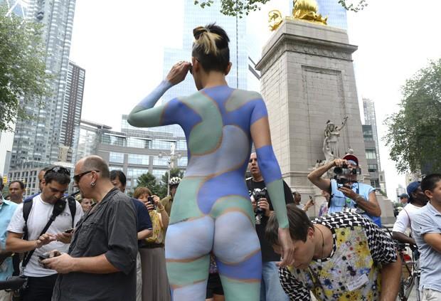 new nude city em
