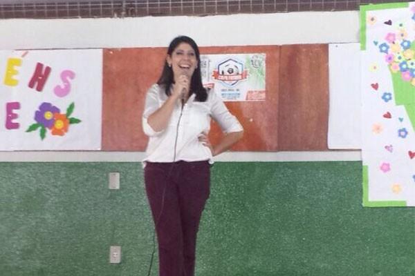 Vanessa Carlos explicou um pouco sobre a profissão de jornalista (Foto: Arquivo Pessoal)