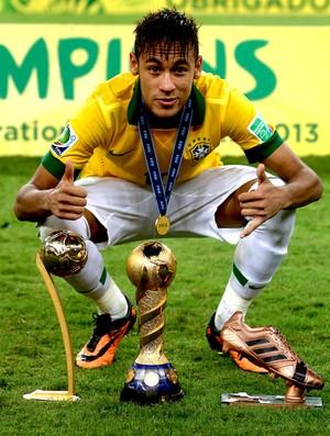 Neymar brasil troféus copa das confederações (Foto: Agência Getty Images)