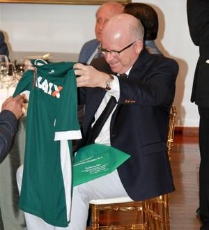 Sérgio Rassi - Goiás assina com a Caixa (Foto: Rosiron Rodrigues / Goiás E.C.)