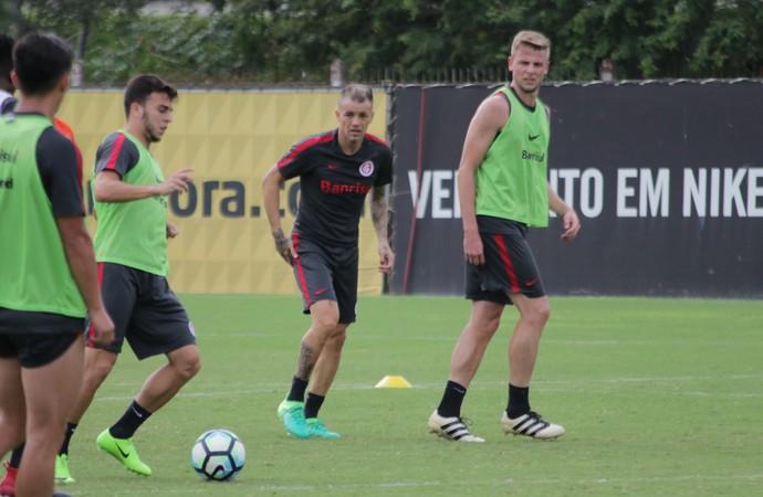 Internacional Inter treino D'Alessandro Inter (Foto: Eduardo Deconto/GloboEsporte.com)