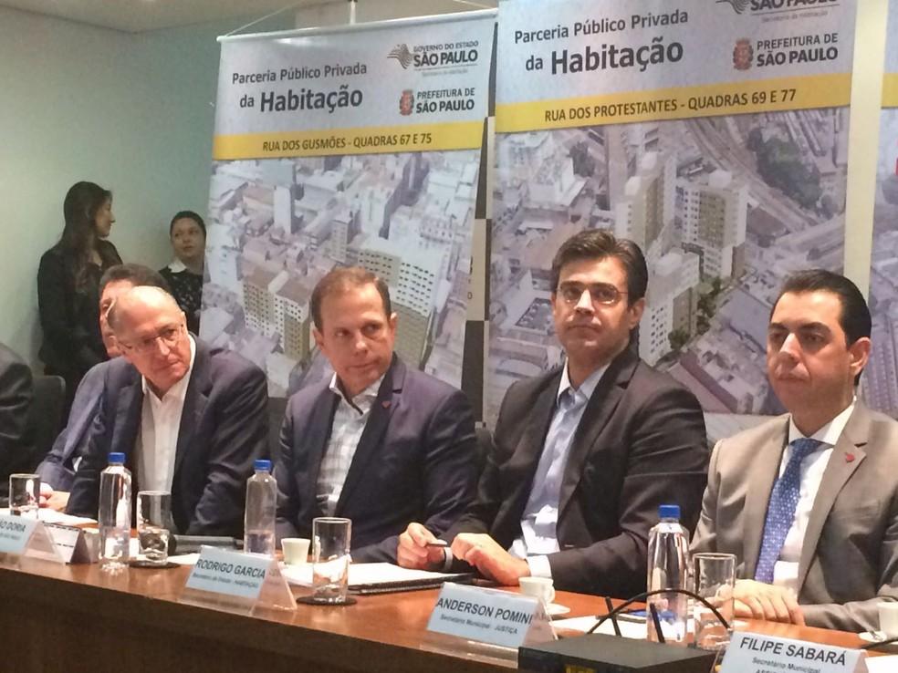 Alckmin, Doria e secretários em evento sobre a Nova Luz (Foto: Gabriela Gonçalves/G1)