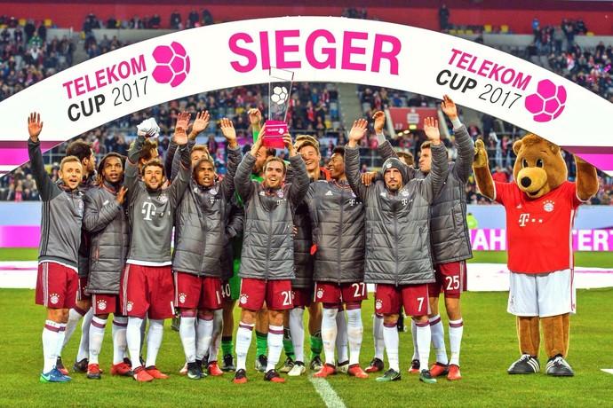 bayern de munique campeão da telekom cup (Foto: Reprodução Twitter)