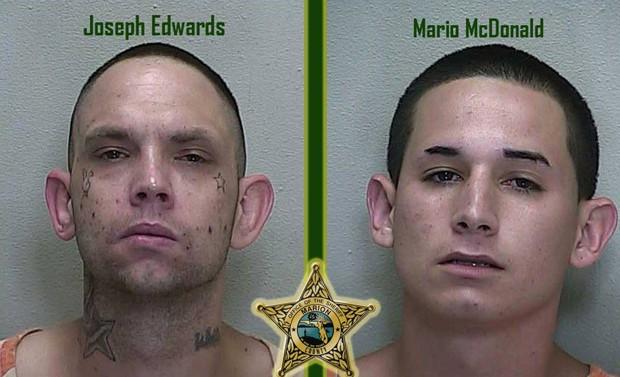 Joseph Wayne Edwards e Mario Daniel McDonald foram presos após postarem fotos no Facebook segurando armas (Foto: Divulgação/Marion County Sheriff's Office)