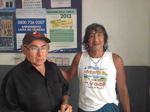 Expedito Regis, de 78 anos, Lorival de Souza, de 68 anos, amigos dedes a infância (Foto: Dyepeson Martins/G1)