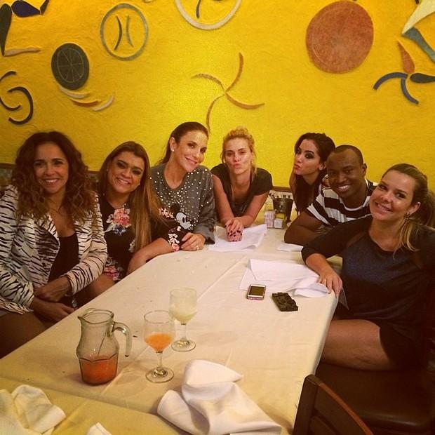 Artistas jantam no Rio (Foto: Reprodução/Instagram)