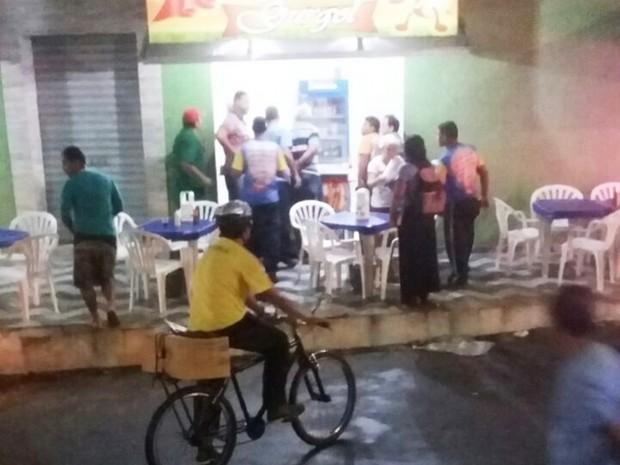 Crime aconteceu na noite desta terça-feira (1º) dentro de uma lanchonete no conjunto Amarante (Foto: PM/Divulgação)