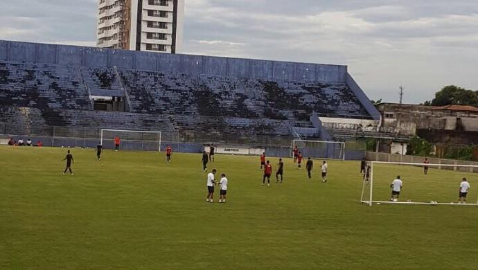 Remo treina no Baenão (Foto: Brenno Rayol/TV Liberal)