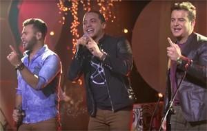 Belutti, Safadão e Marcos cantam 'Aquele 1%' (Foto: Divulgação)