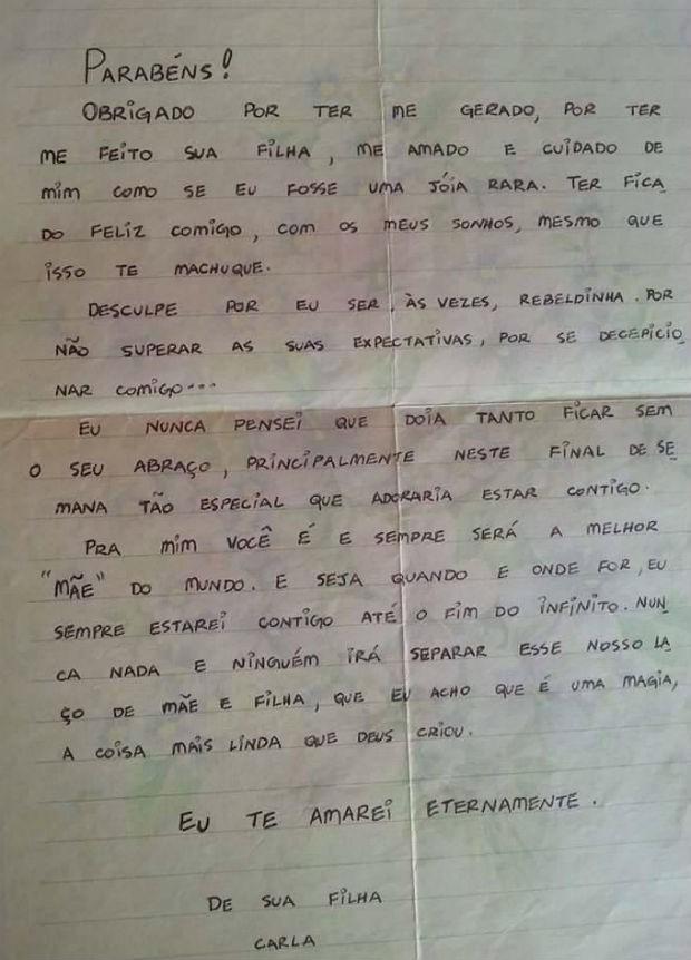 Tânia guarda uma carta escrita pela filha Carla Vicentini (Foto: Reprodução)