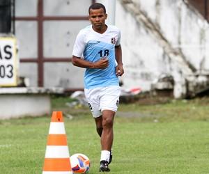 Vitor Santa Cruz (Foto: Aldo Carneiro / Pernambuco Press)