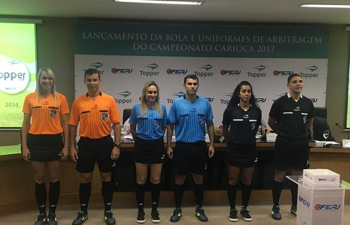 Uniformes da arbitragem para o Campeonato Carioca (Foto: Amanda Kestelman)