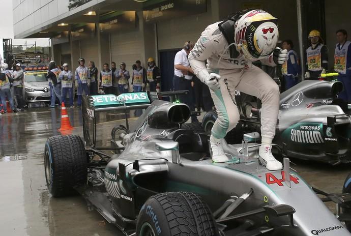 Lewis Hamilton vence GP do Brasil de F1 (Foto: Reuters)