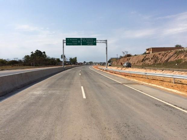Novo viaduto na MG-050, em Divinopolis, no entroncamento com a BR-494 (Foto: Nascentes das Gerais/Divulgação)