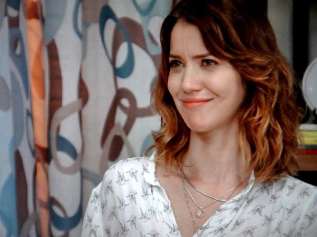 Laura desconfia e depois acredita no que Samantha diz (Foto: TV Globo)