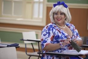 Fabiana Karla em cena da Escolinha do Professor Raimundo (Foto: Globo/Pedro Curi)