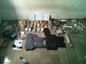Polícia encontrou mais de 30 quilos de drogas em casa (Foto: Divulgação/ Polícia Civil)