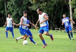 treino coletivo atlético-ac campo do bacu (Foto: João Paulo Maia)