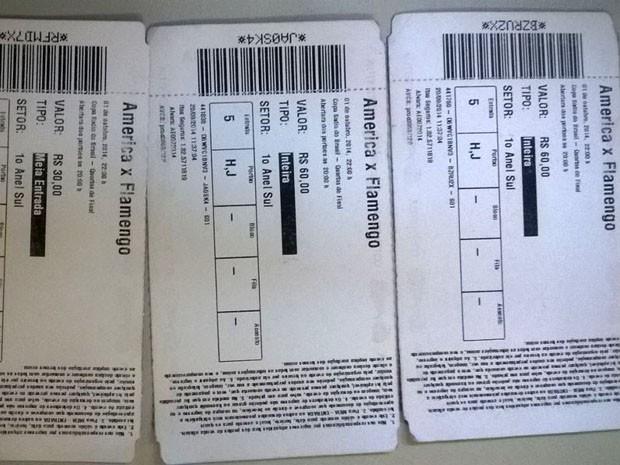 Cambista estava com três ingressos do América-RN (Foto: Divulgação/Polícia Civil do RN)