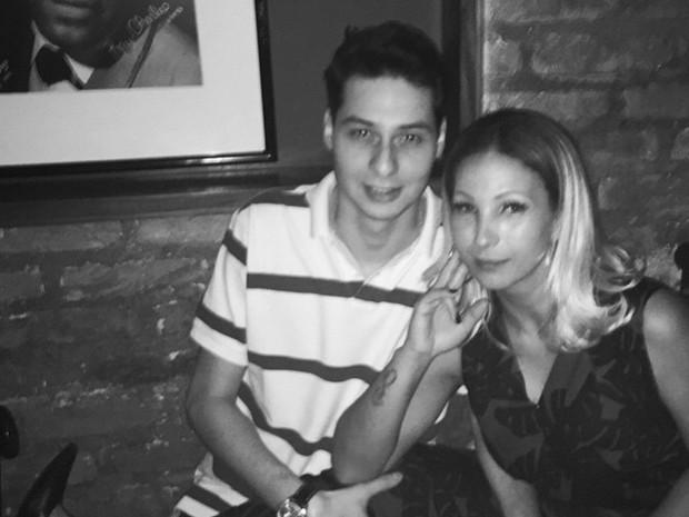 Valesca Popozuda com o namorado, empresário Diógenes David, em restaurante em São Paulo (Foto: Instagram/ Reprodução)