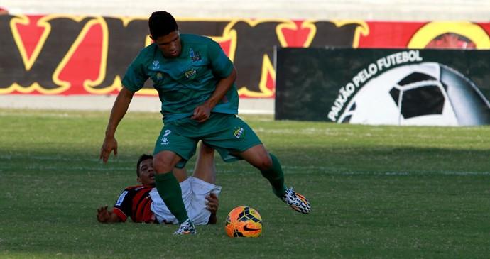 Campinense 0 x 2 Coruripe, no Estádio Amigão, em Campina Grande (Foto: Nelsina Vitorino / Jornal da Paraíba)