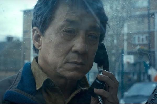 Interpretando um pai que busca vingança pela morte da filha, Jackie Chan vive um dos seus papeis mais dramáticos (Foto: Divulgação)