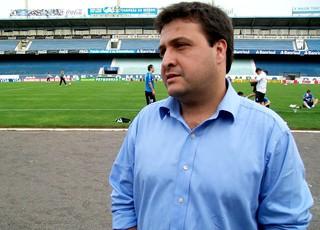assessor de futebol do Grêmio, Alberto Guerra (Foto: Eduardo Cecconi / Globoesporte.com)