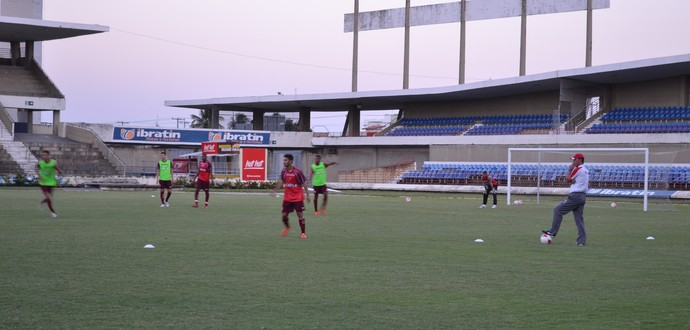 CRB, treina no Estádio Rei Pelé (Foto: Jota Rufino / GloboEsporte.com)