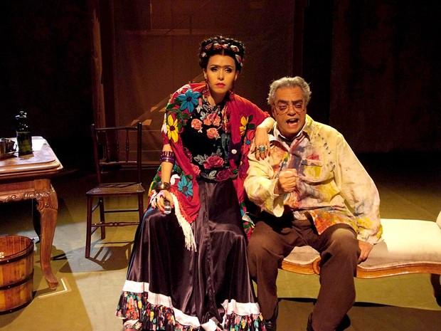 Os atores Leona Cavalli e José Rubens Chachá, estrelas da peça Frida y Diego, em cartaz no Teatro da Unip, em Brasília (Foto: Deca Produções/Divulgação)