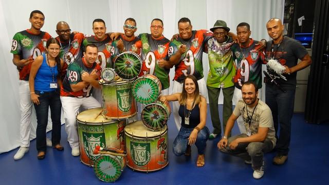 Escola de samba X - 9 (Foto: Renata Lins)