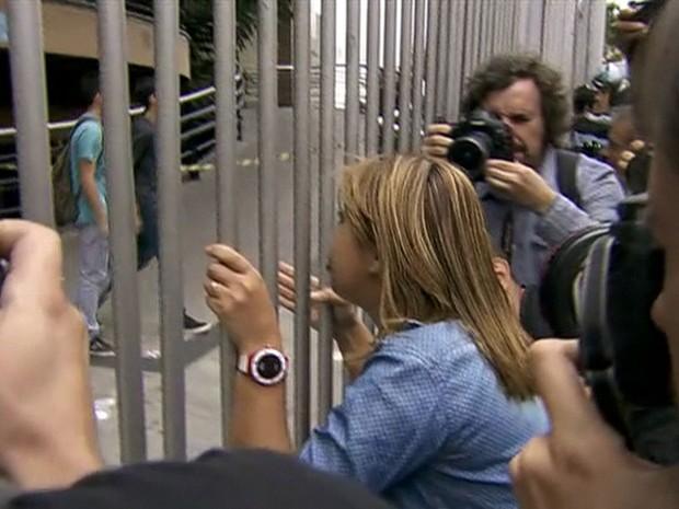 Enem 2015: portões fechados (Foto: Reprodução/GloboNews)