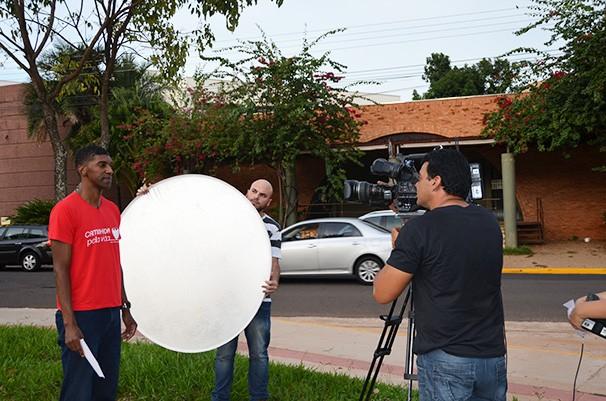 André Domingos grava convite especial da 'Caminhada Pela Vida' (Foto: Marketing TV Fronteira)