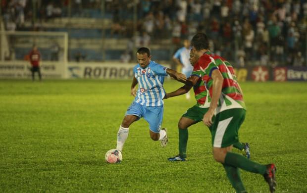 Iarley fez boa partida e jogou durante os 90 minutos  (Foto: Tarso Sarraf / O Liberal)