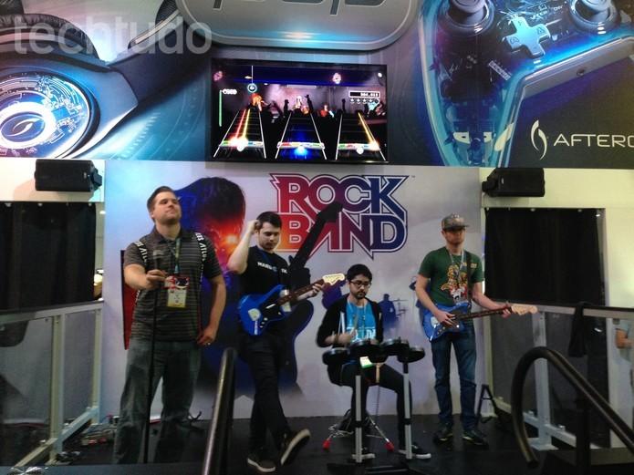 Rock Band Rivals terá nova guitarra e mais (Foto: Felipe Vinha/TechTudo)