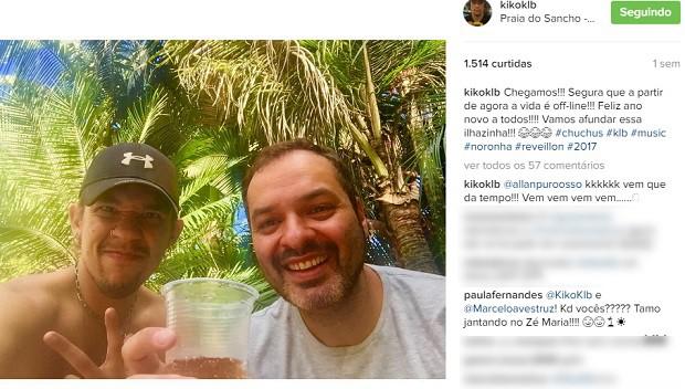 Em seu único post sobre a viagem a Noronha, Kiko posa com amigo e Paula comenta (Foto: Reprodução/Instagram)