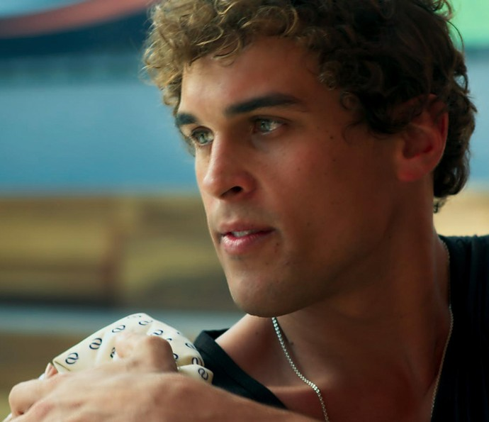 Gabriel fica surpreso ao ver Joana indo embora (Foto: TV Globo)