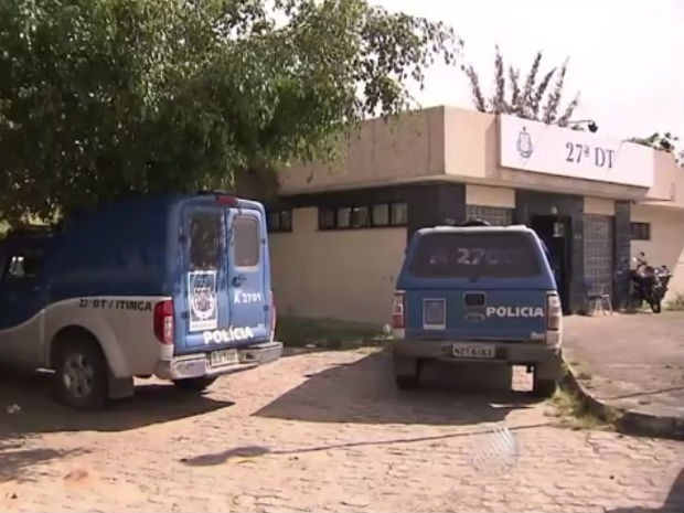 Presos fugiram da delegacia de Itinga, em Lauro de Freitas (Foto: Reprodução/TV Bahia)