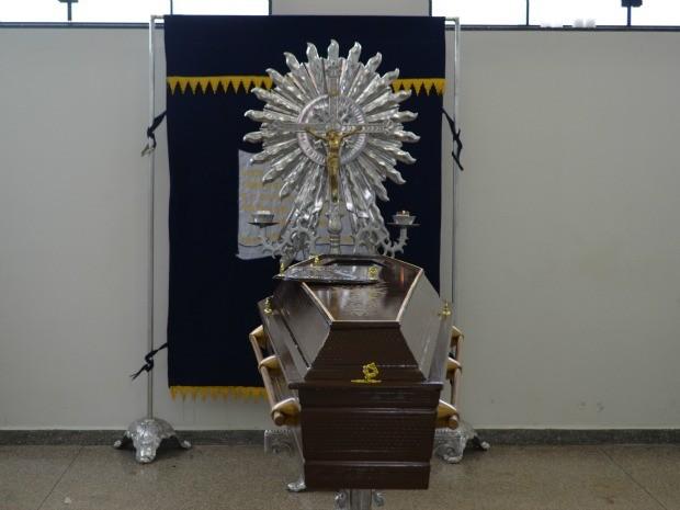 Luciano foi sepultado nesta sexta-feira, 6, no cemitério de Vilhena (Foto: Eliete Marques/ G1)