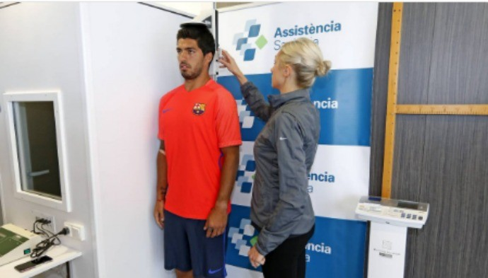 BLOG: Atacante Luis Suárez passa por exames médicos na reapresentação do Barcelona