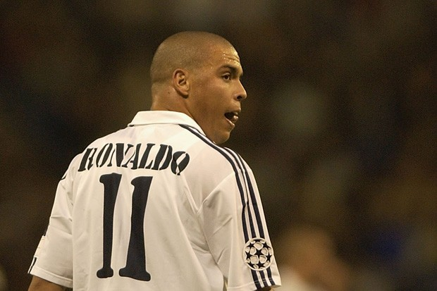 Ronaldo foi a terceira contratação galática do Real Madrid (Foto: Stuart Franklin/Getty Images)
