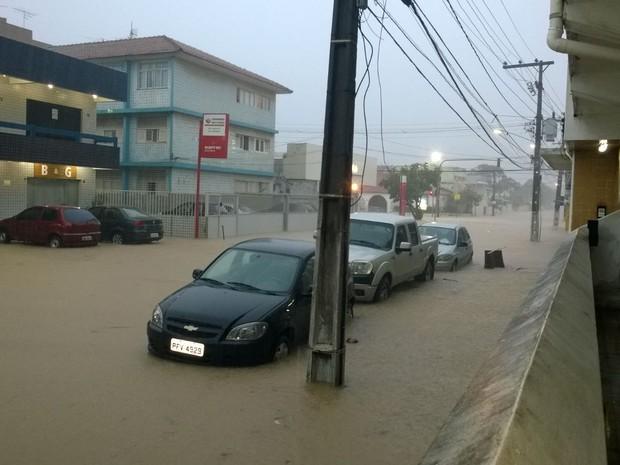 chuva forte no Recife e Olinda (Foto: Reprodução/Whatsapp)