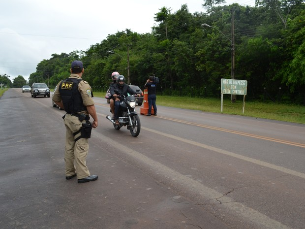 Operação PRF Santarém (Foto: Karla Lima/G1)
