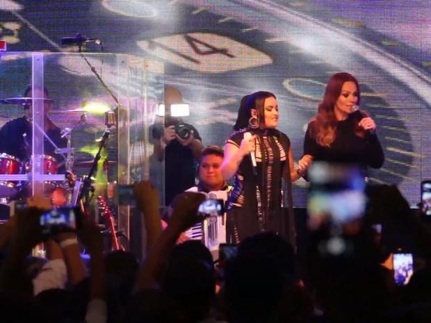 Mara Pavanelly e Solange Almeida em clipe da música Você não joga limpo (Foto: Divulgação)