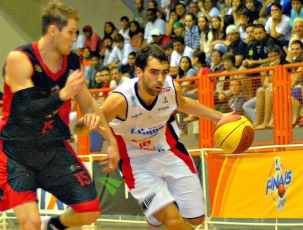 NBB basquete Limeira x Joinville Vitor Benite (Foto: Maurício R. Martins/Divulgação)