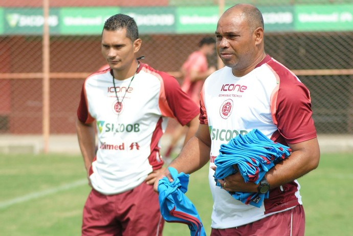 Mauro Soares, técnico da Desportiva Ferroviária (Foto: Henrique Montovanelli/Desportiva Ferroviária)