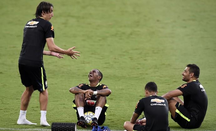 Geromel, Robinho, Diego Souza, treino seleção brasileira, Estádio Nilton Santos (Foto: André Durão)